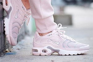 nouveau concept b030e ca5b7 Kids Nike Air Max Plus Barely Rose - crepsource